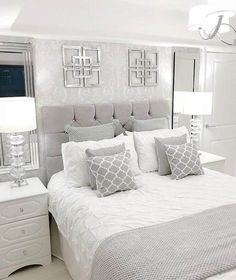 bedding that goes with gray walls light