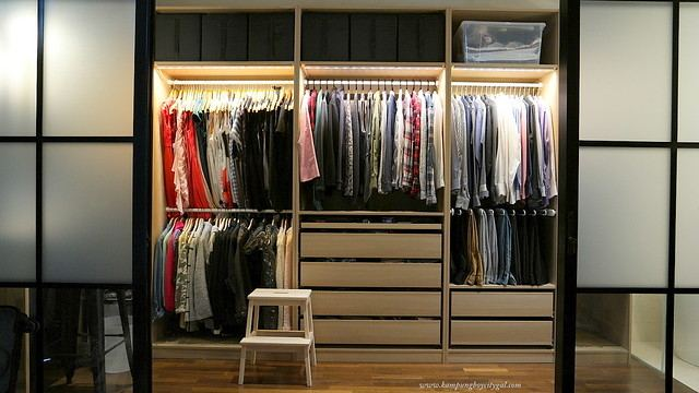 The spacious walk in closet of 5,8sqm allows one to keep the rest of the  studio clutter free