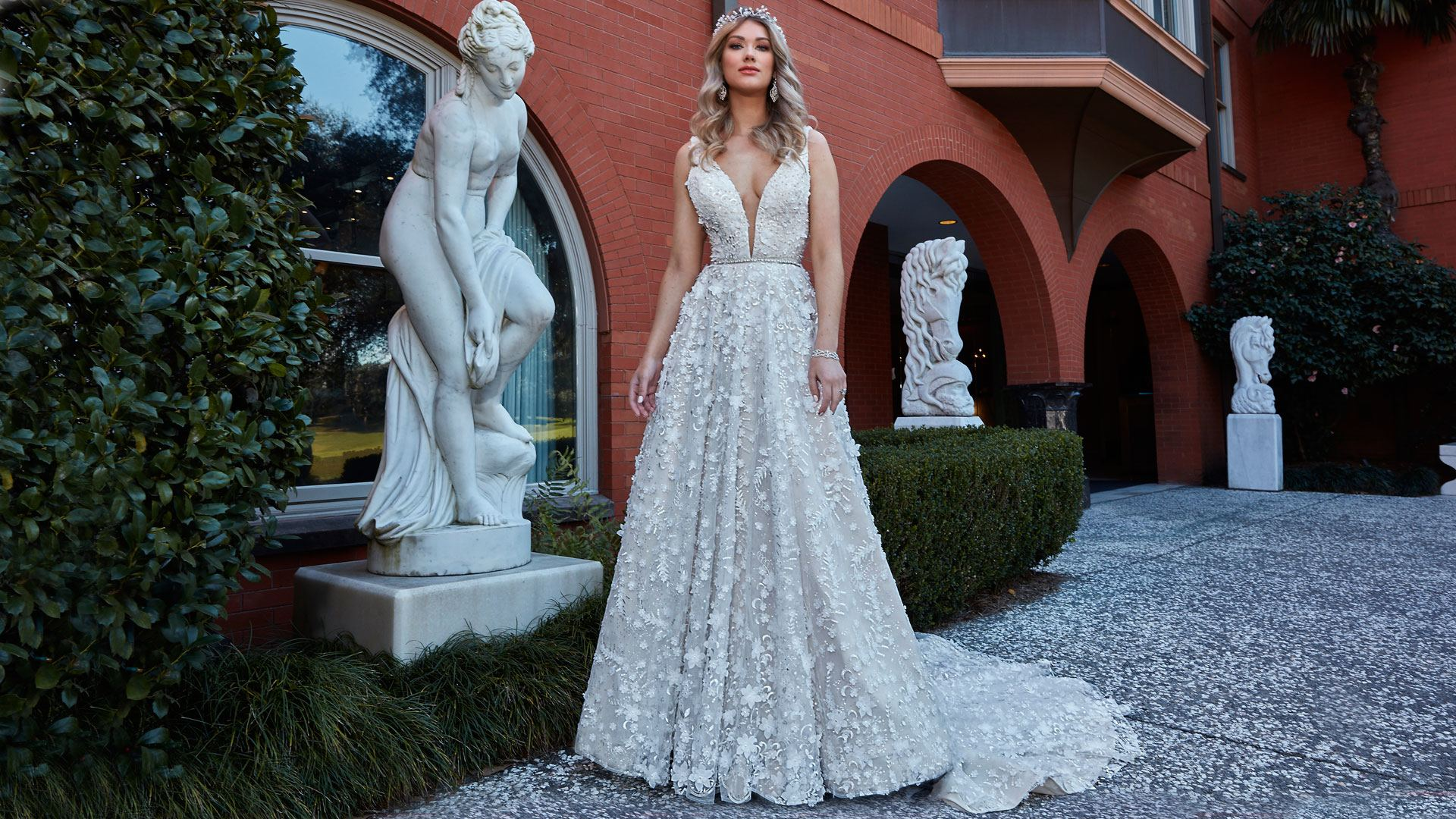 Designers from Down Under – Pallas Couture Arrives in Chicago! The American bridal