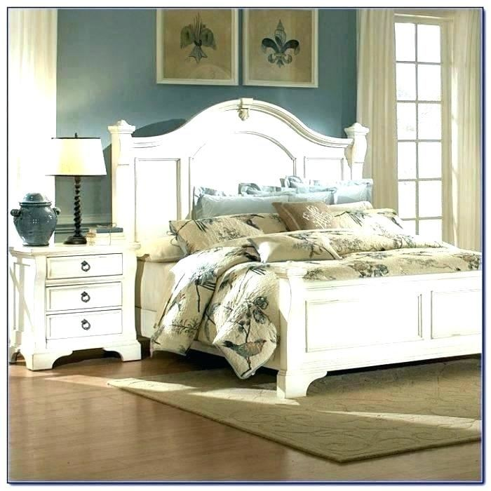 Romance Antique White Bedroom Furniture