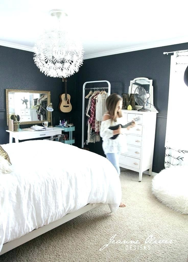 Master Bedroom Decorating Ideas With Dark Furniture Bedroom Ideas Wall Colour Gray With Dark Furniture And White Accents Love The Rug Master Bedroom