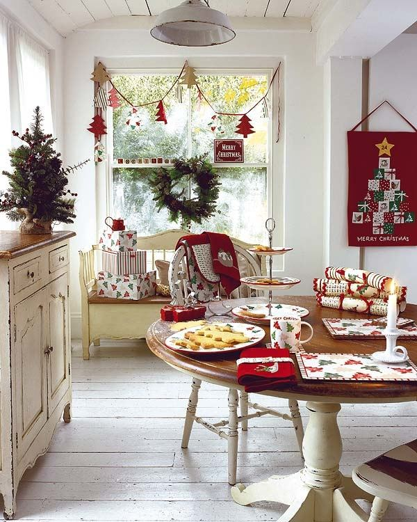 A delightful Dining Room Holiday Tour