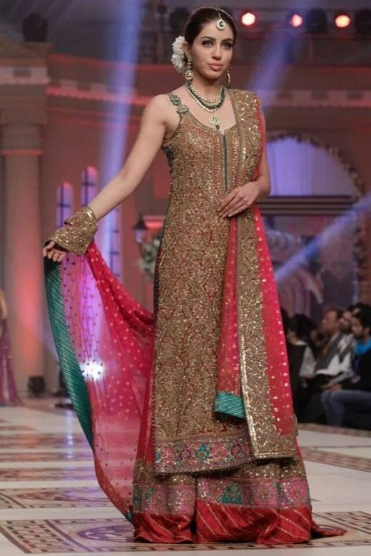 2015 Designer Wedding Dresses Pakistani Lovely Latest Best Bridal Walima Dresses Designs 2016 17 for Weddings