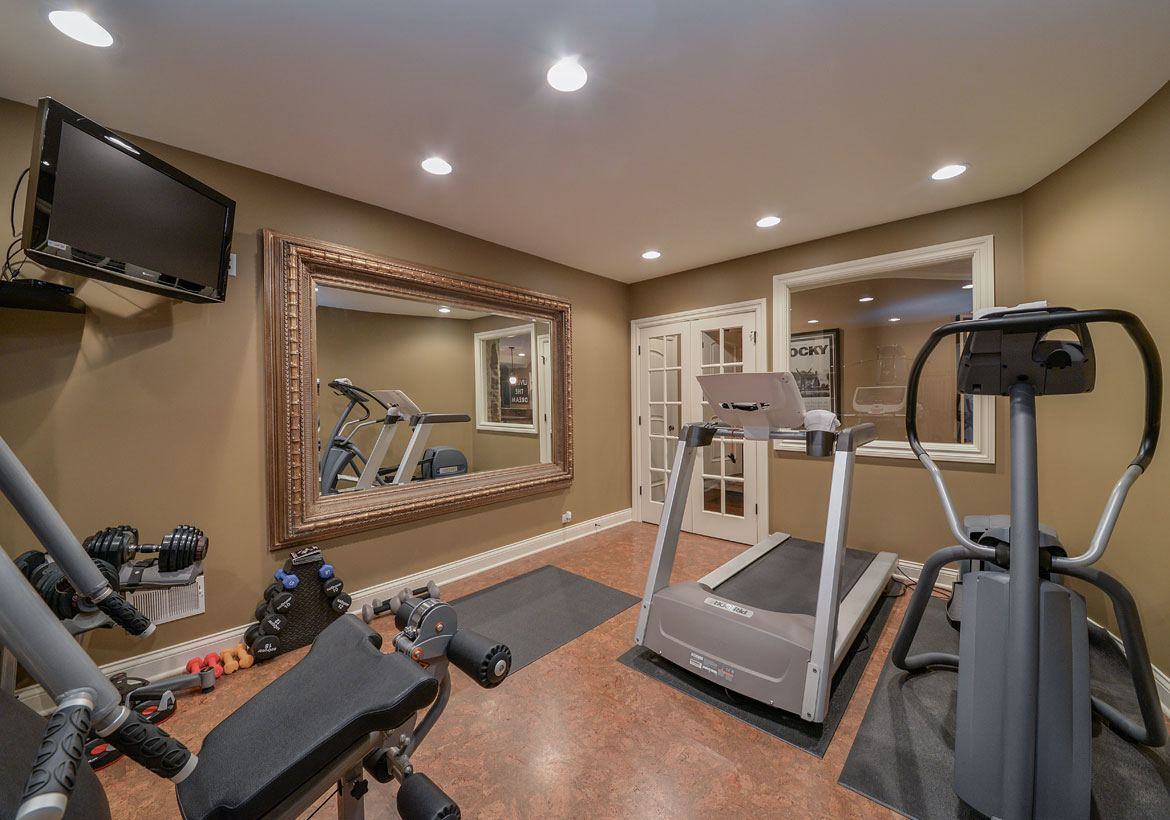 in home gym ideas minimal equipment mirrored wall more crossfit
