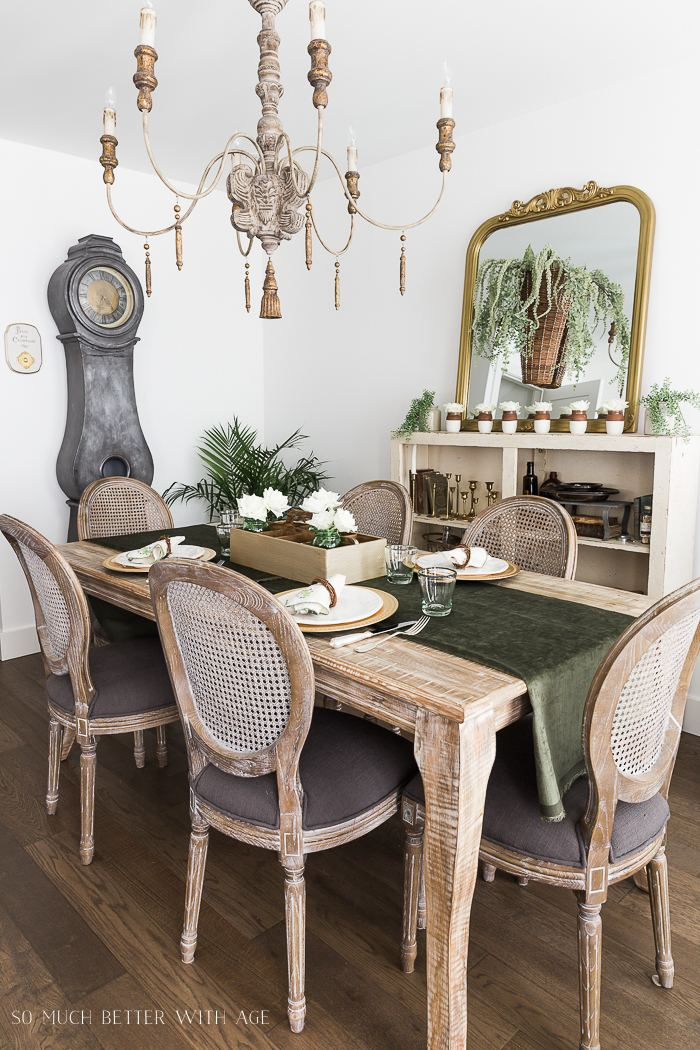 Spring Table Decorating Tip 5: Personalize each place setting with a special detail