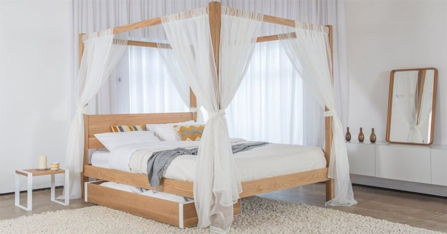 That can be a mosquito net if it wants, but it's still gorgeous