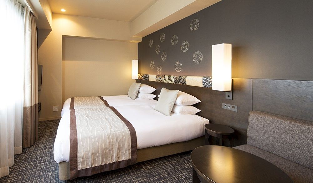 The 250 rooms come equipped with satellite TV,  telephone,