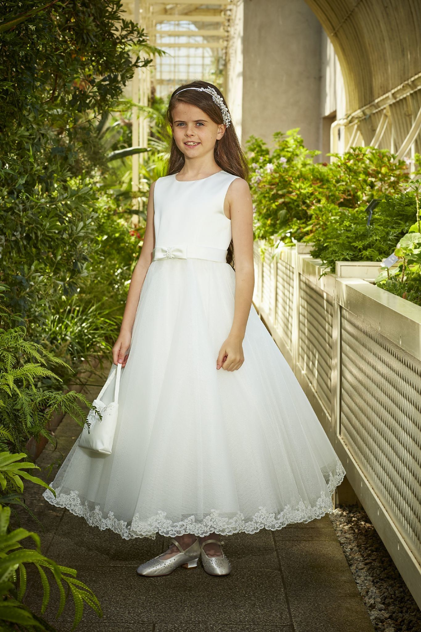 com: WuliDress Cap Sleeve Lace First Holy Communion Dresses For  Girls Formal Prom Ball Gown For Juniors: Clothing
