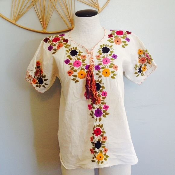 unstitch hand embroidery 2pc pure crinkal chiffon ladies suit