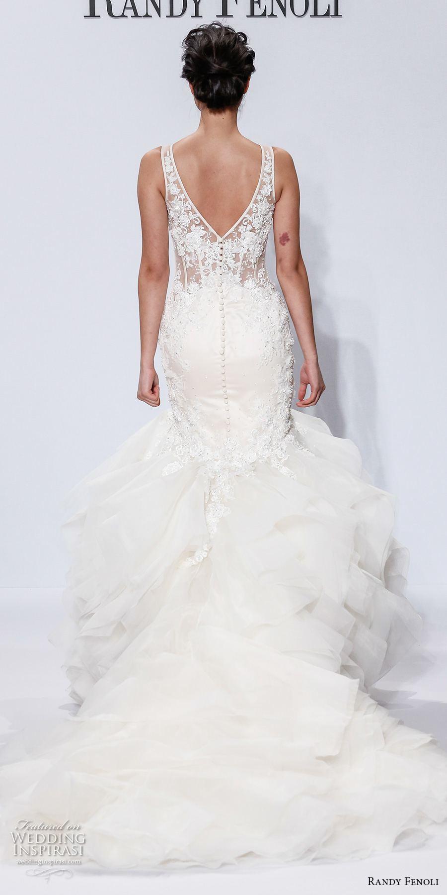 Randy Fenoli wedding dresses was your favorite? Bild könnte enthalten: 16 Personen, Personen, die lachen, Personen, die stehen