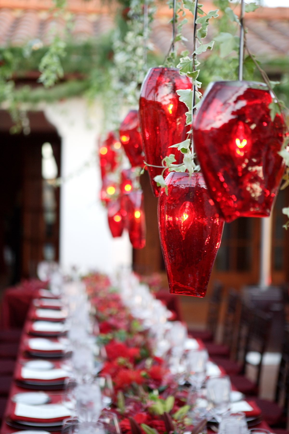 Holiday Table Decorations | Christmas Table Decorations, 17 Ideas for Holiday  Table Decorating